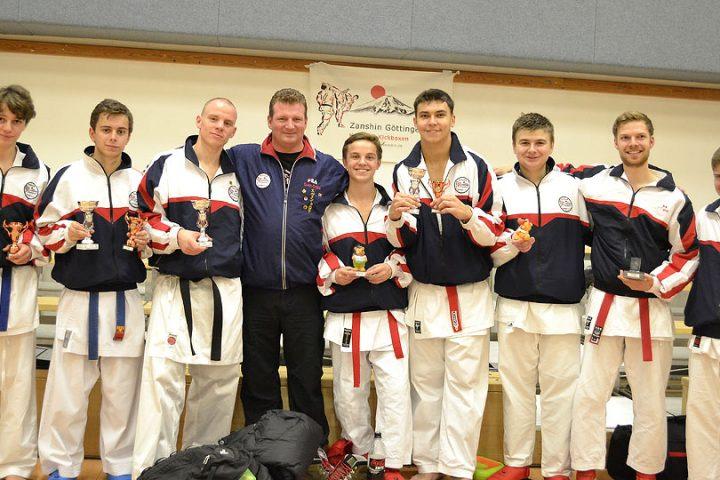 erfolgreiche Zanshin-Mannschaft beim Wartburgpokal 2012