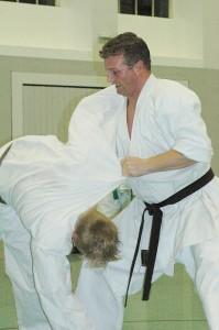 Karatetechnik zur Selbstverteidigung